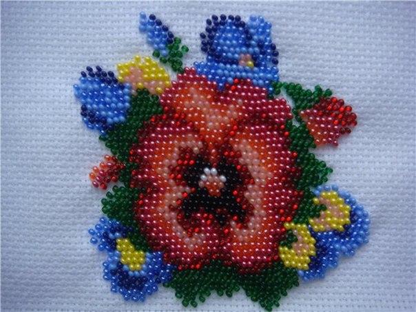 Вышиваем цветок анютины глазки