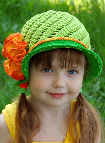 зеленая шляпка (1) (440x600, 80Kb)