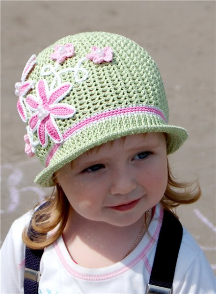 зеленая шляпка-клумба (1) (440x600, 73Kb)