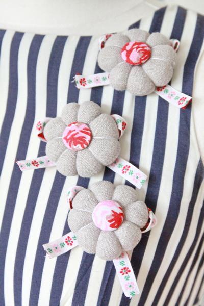 круглые цветы из ткани (45) (400x600, 112Kb)