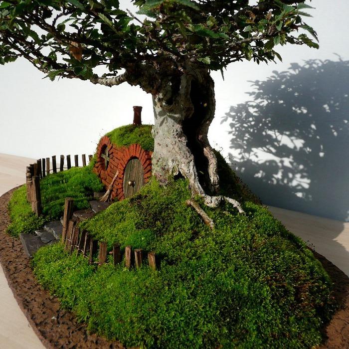 Крис Гис. Домик Фродо Бэггинса в стиле бонсай. Фотографии