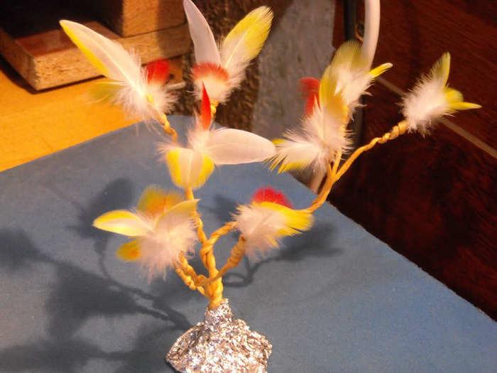 Поделки из перьев попугая своими руками