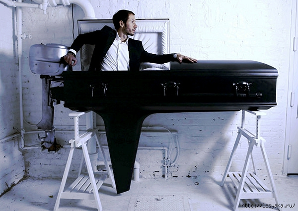 3925073_Boat_Coffin_01 (600x424, 171Kb)