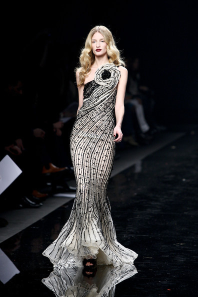 Zuhair+Murad+Milan+Fashion+Week+Womenswear+ONup8_PA2gLl (396x594, 59Kb)