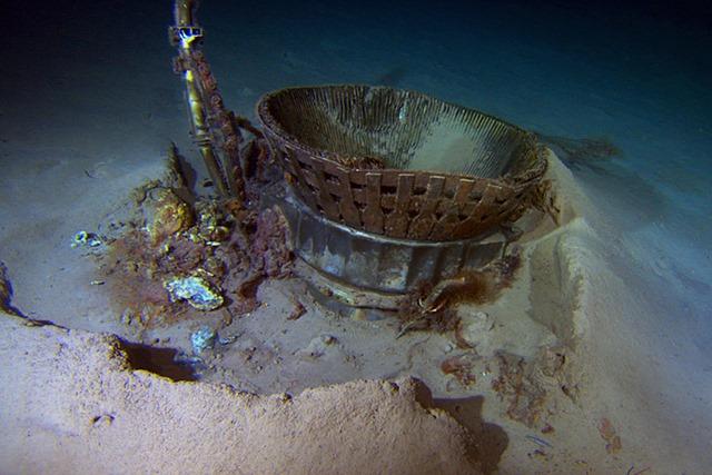Космический корабль «Аполлон 11» подняли со дна океана Фотографии