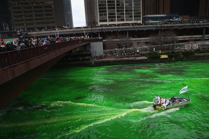 st-patricks-day-chicago-river-6 (700x467, 133Kb)