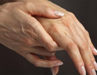 ruka-gluboko-v