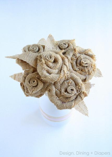 букет цветов и пасхальный венок из мешковины (7) (429x600, 154Kb)