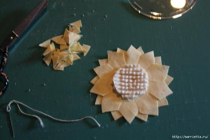 Ароматные кофейные подсолнухи из ткани. Мастер-класс (5) (700x466, 94Kb)