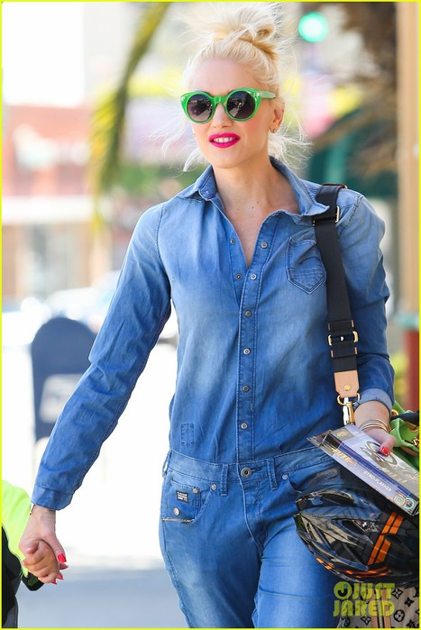 gwen-stefani-denim-day-with-kingston-zuma-23 (467x700, 85Kb)