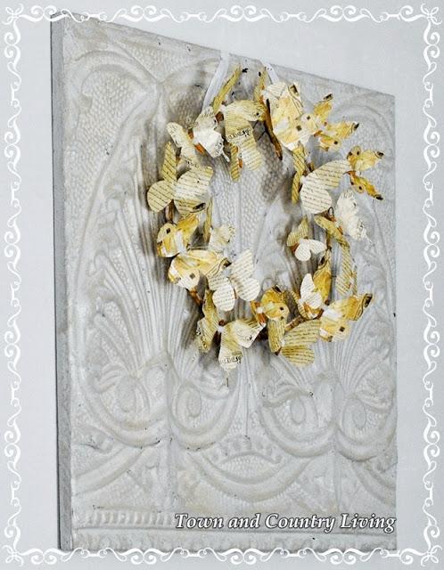 Венки с бабочками из газет, нотных и книжных страниц. Винтажные идеи (12) (498x640, 100Kb)