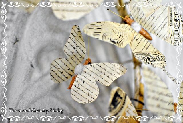 Венки с бабочками из газет, нотных и книжных страниц. Винтажные идеи (14) (640x429, 92Kb)