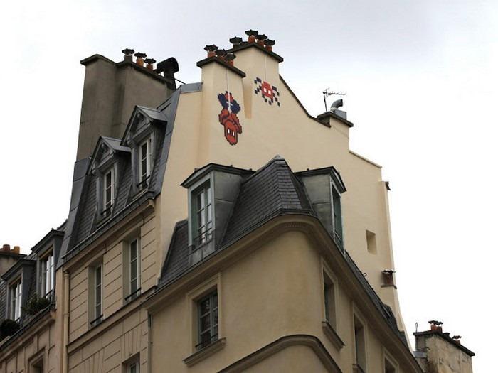 Граффити Человек паук в Париже от «Космического Захватчика»