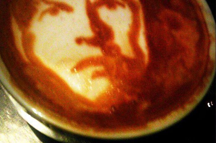 Курт Кобейн на кофейной пенке