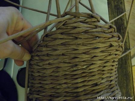 пасхальная курочка из газетных трубочек (44) (448x336, 86Kb)