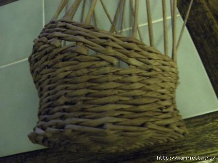 пасхальная курочка из газетных трубочек (46) (448x336, 76Kb)
