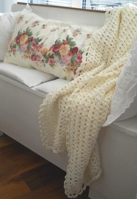 вязание крючком. плед и подушки (1) (483x700, 81Kb)