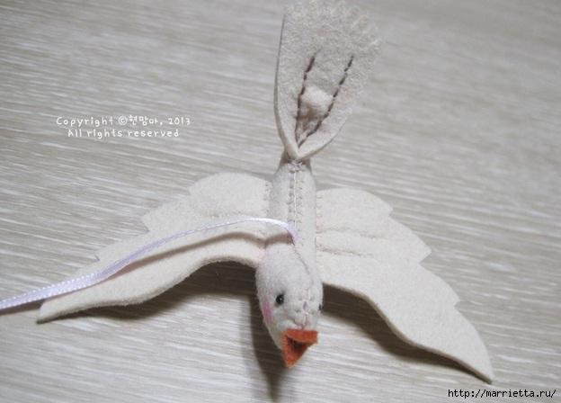 Шьем веточку с птичкой из фетра. Фото мастер-класс (22) (624x448, 130Kb)