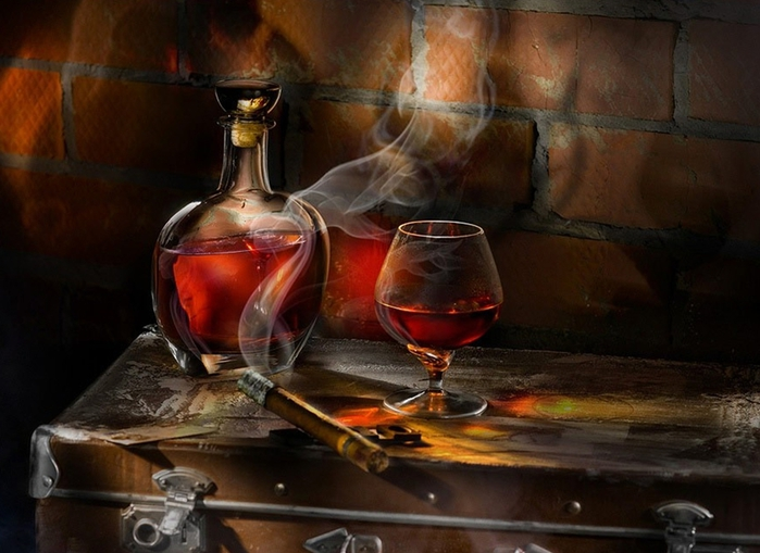 27676_viski_sigara_bokal_1663x1200_www-gdefon-ru (700x509, 236Kb)