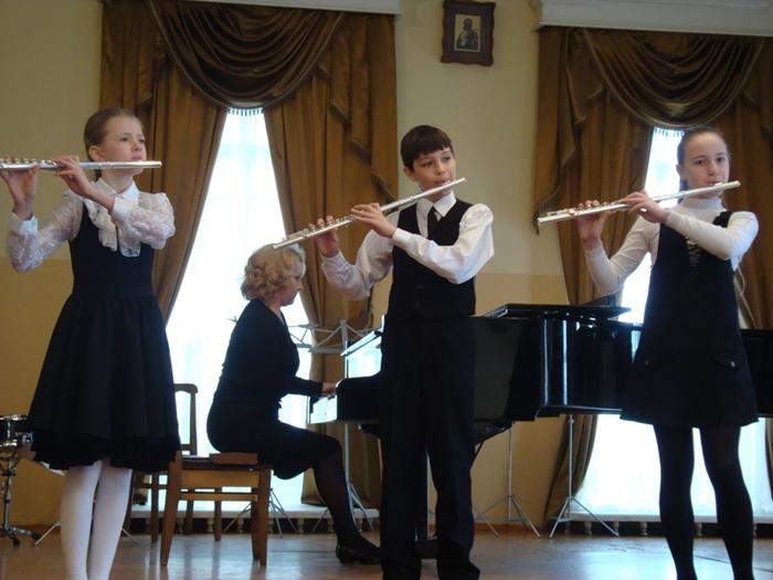 20-летию МОУДОД 'Детской музыкальной школы духовых и ударных инструментов' посвящается