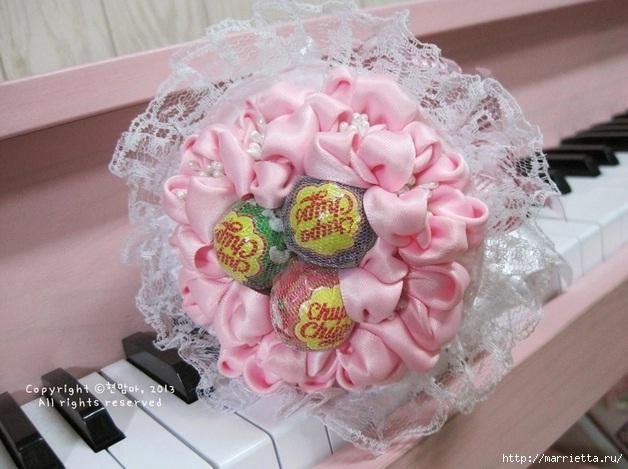 нежный конфетный букетик из атласных лент и кружев (1) (628x469, 178Kb)
