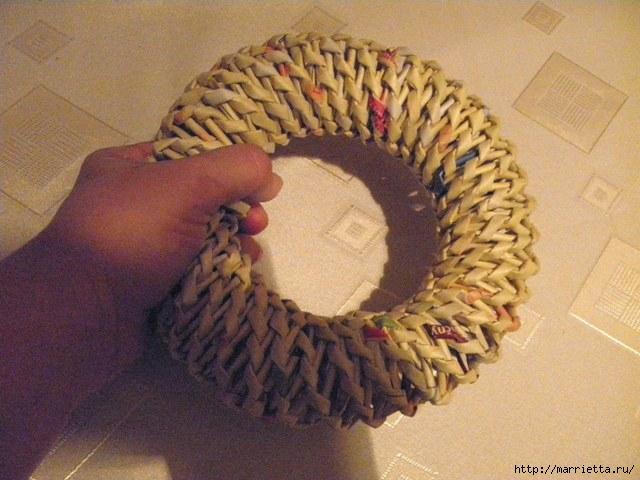 плетение из газет. венок спиральным плетением для пасхального декора (28) (640x480, 162Kb)