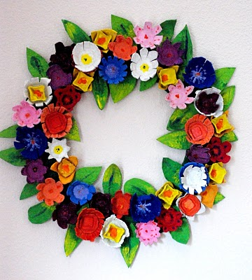 egg carton wreath finished (360x400, 50Kb)