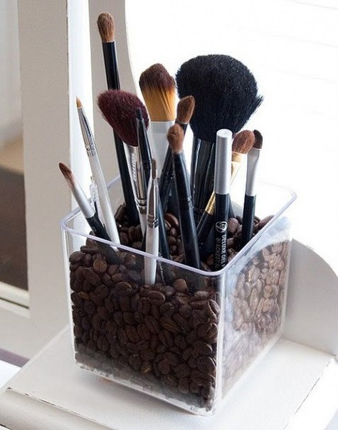 Kraft Monster : Make-Up Brush Storage Ideas