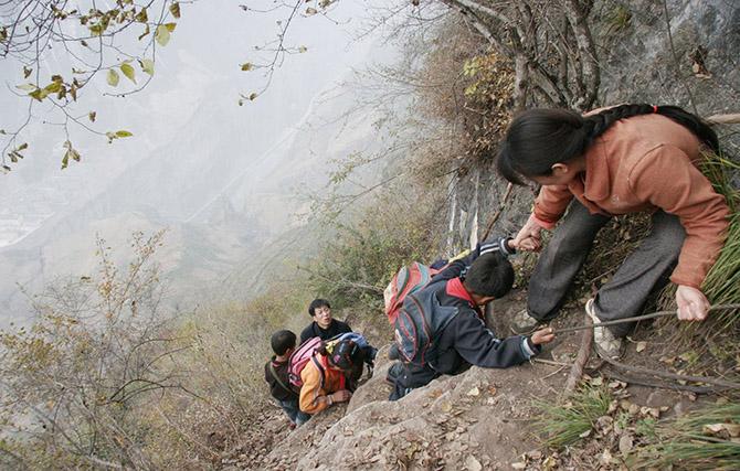 дети идут в школу (670x427, 150Kb)