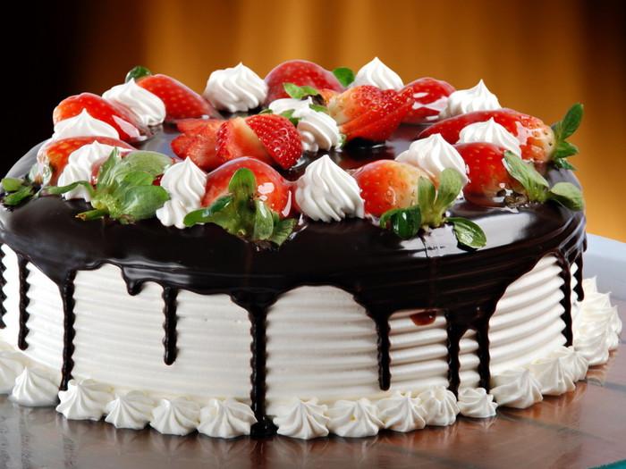 eda+torti+pirogi+sladkoe+klubnichnij+tort+21452582355 (700x525, 102Kb)