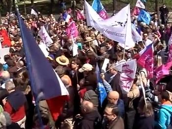 Франция - протесты против однолых браков (350x263, 102Kb)