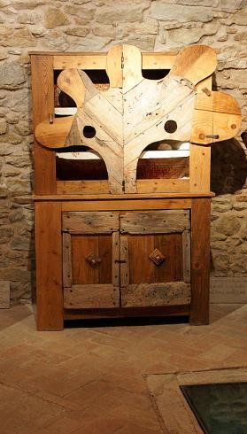 Тонино придумывает и делает такую мебель (279x490, 228Kb)