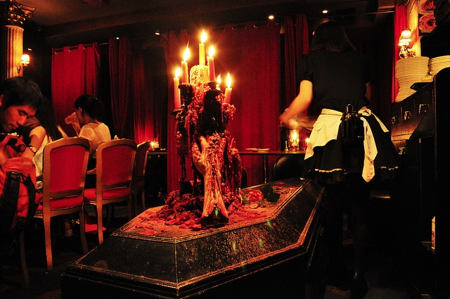 Vampire Cafe в Токио_1_х (640x425, 126Kb)