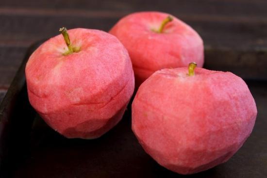 розовые яблоки фото 2 (550x367, 19Kb)