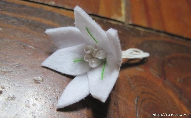 Белые цветы из фетра. Панно своими руками (11) (629x389, 119Kb)