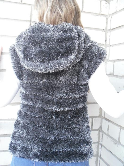 Вязание спицами для женщины из травки схема 950