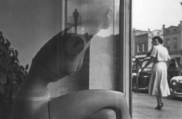 прикольные черно-белые фото Эллиотт Эрвитт 10 (600x393, 51Kb)
