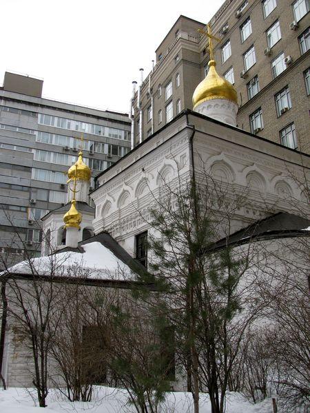 Москва. Церковь Михаила Архангела в Овчинниках/1413032_IMG_0056 (450x600, 87Kb)