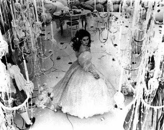 Пышное платье Сары из фильма «Лабиринт»