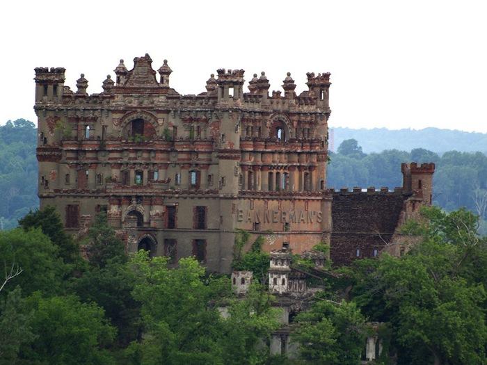 Замок Баннерман, Нью-Йорк, США (700x525, 114Kb)