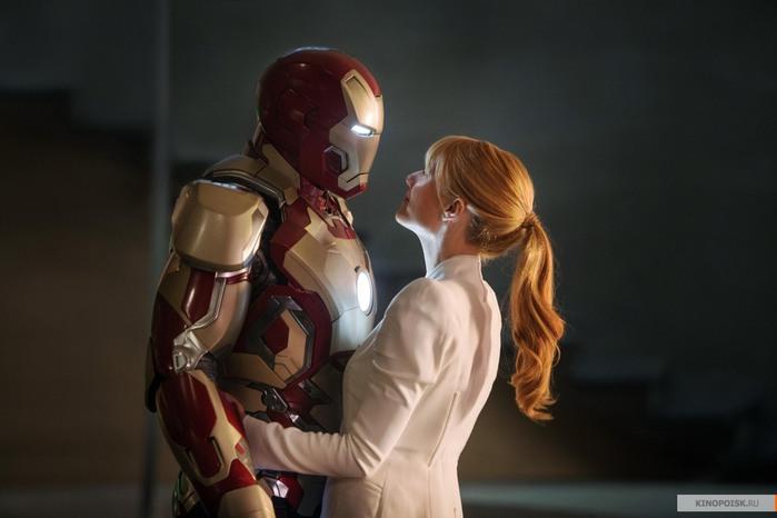kinopoisk.ru-Iron-Man-3-2152188 (700x466, 51Kb)