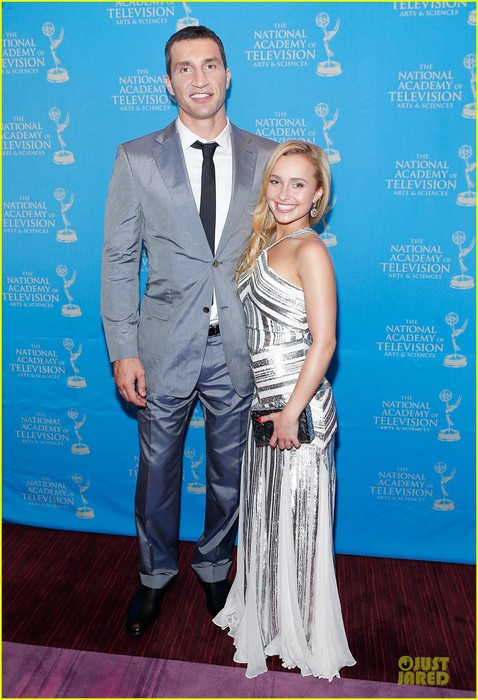 hayden-panettiere-wladimir-klitschko-sports-emmy-awards-reception-05 (478x700, 103Kb)