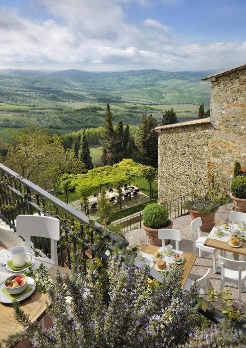 средневековый отель в италии фото (494x700, 332Kb)