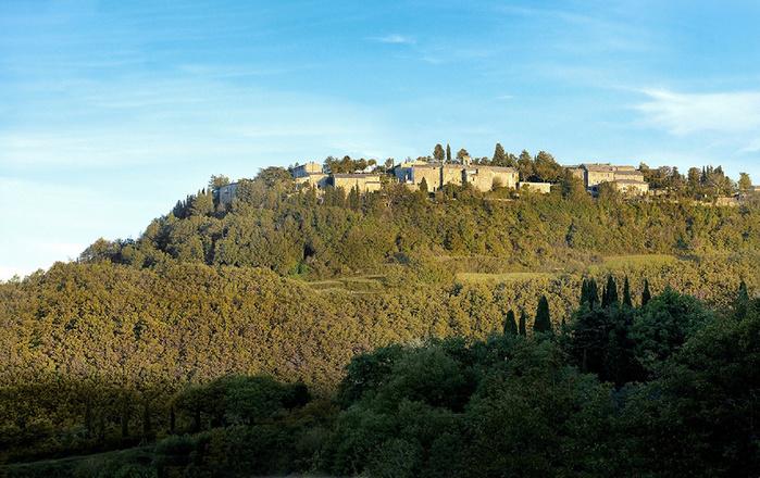 средневековый отель в италии фото 1 (700x440, 196Kb)