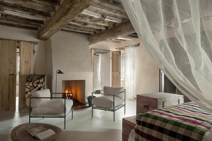 средневековый отель в италии фото 5 (700x466, 149Kb)