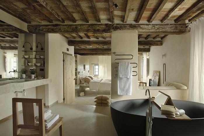 средневековый отель в италии фото 8 (700x466, 145Kb)