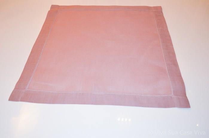 Как сложить розу из льняной салфетки для оригинальной сервировки стола (1) (700x462, 30Kb)