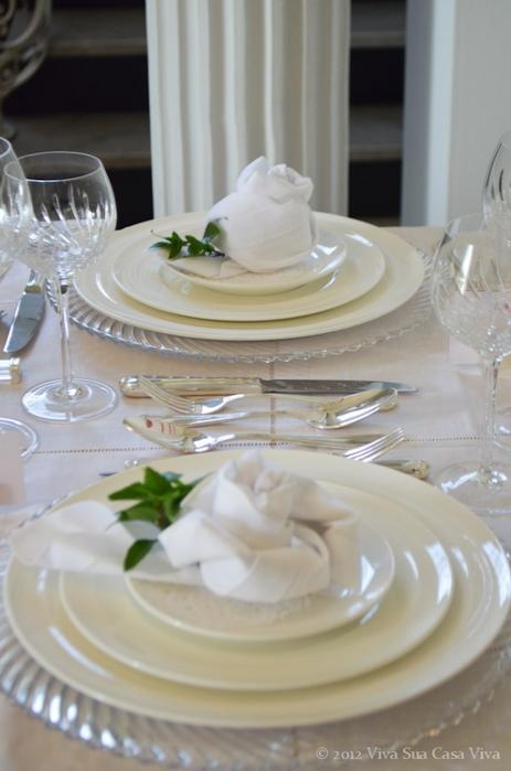 Как сложить розу из льняной салфетки для оригинальной сервировки стола (15) (463x700, 179Kb)
