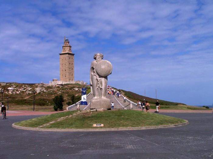 древний маяк башня геркулеса испания (700x525, 74Kb)