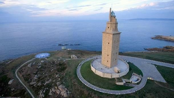 древний маяк башня геркулеса испания 4 (610x343, 27Kb)